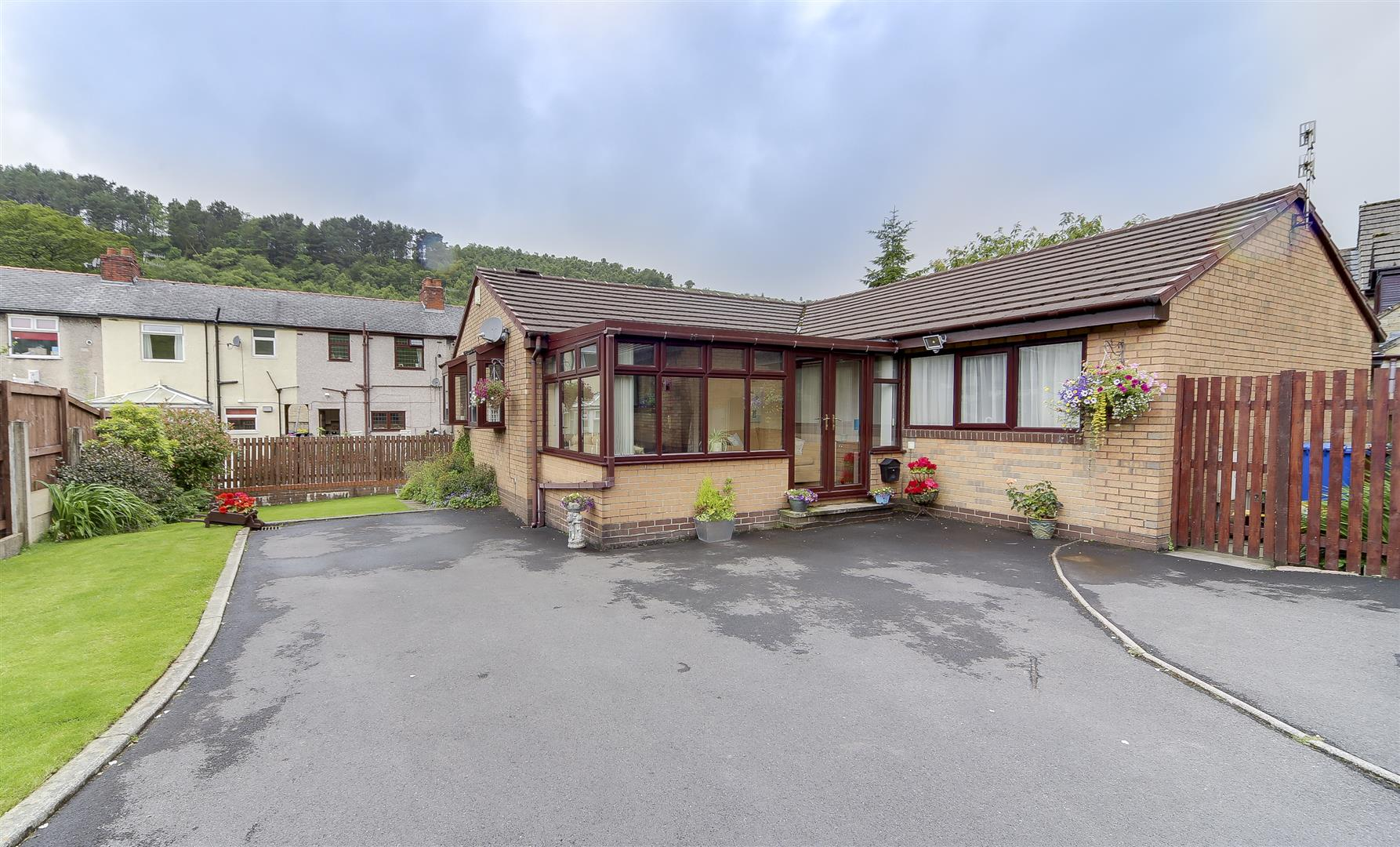 3 Bedrooms Detached Bungalow for sale in Brock Bank, Whitewell Bottom, Rossendale